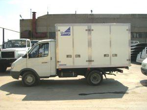 Автомобиль для перевозки бутилированной воды на поддонах